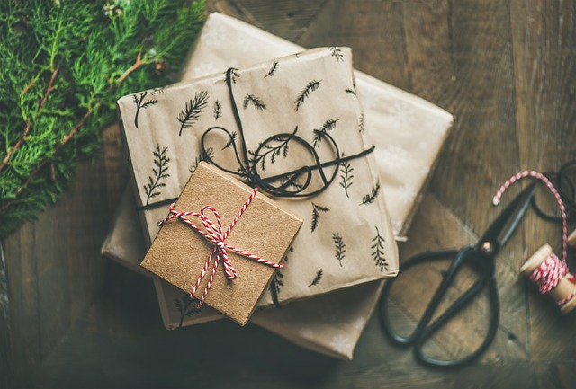 Looking for holiday gifts for CrossFitters? Whether it's for the office Secret Santa exchange or a family member (or yourself!), here are a few ideas.